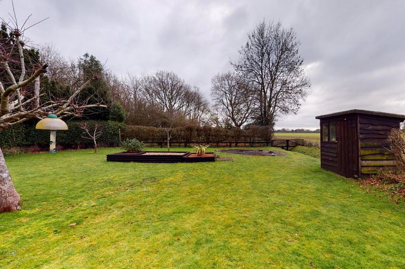 4 bed house for sale in Newells Lane, Chichester 12