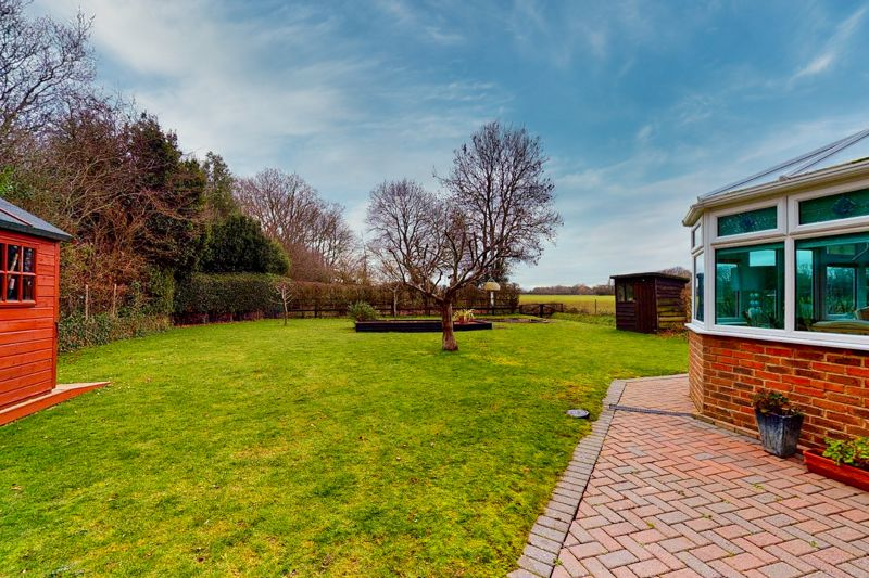 4 bed house for sale in Newells Lane, Chichester  - Property Image 25