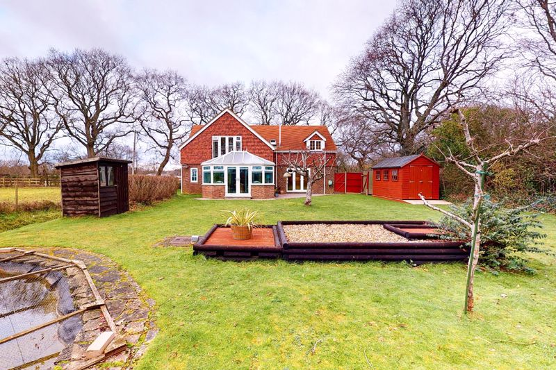 4 bed house for sale in Newells Lane, Chichester  - Property Image 5