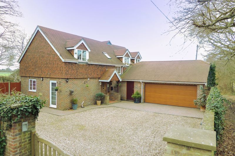 4 bed house for sale in Newells Lane, Chichester - Property Image 1