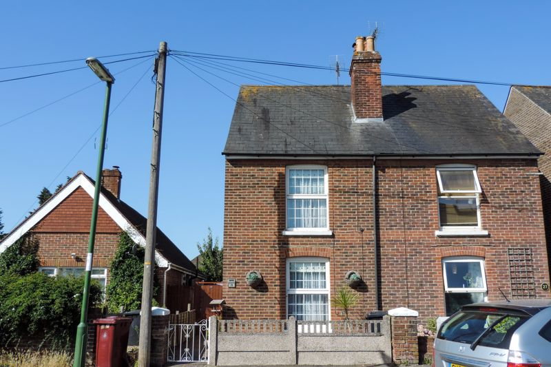 3 bed house for sale in Church Road, Chichester 0