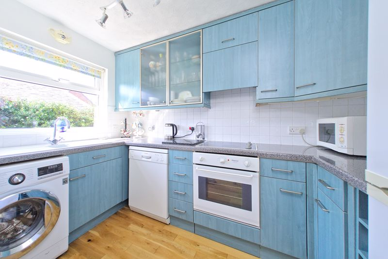 3 bed house for sale in Waterside Drive, Chichester 3