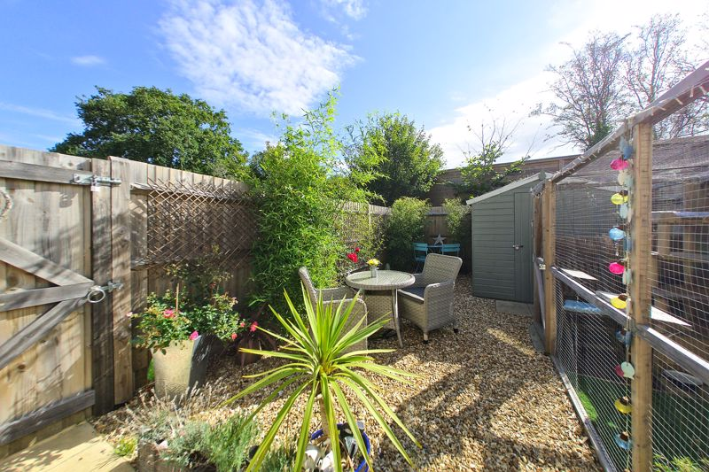 2 bed house for sale in Taylors Copse, Chichester  - Property Image 8