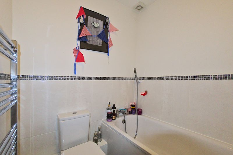 2 bed house for sale in Taylors Copse, Chichester  - Property Image 10