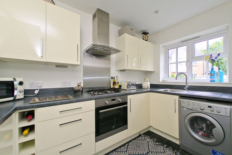 2 bed house for sale in Taylors Copse, Chichester 1