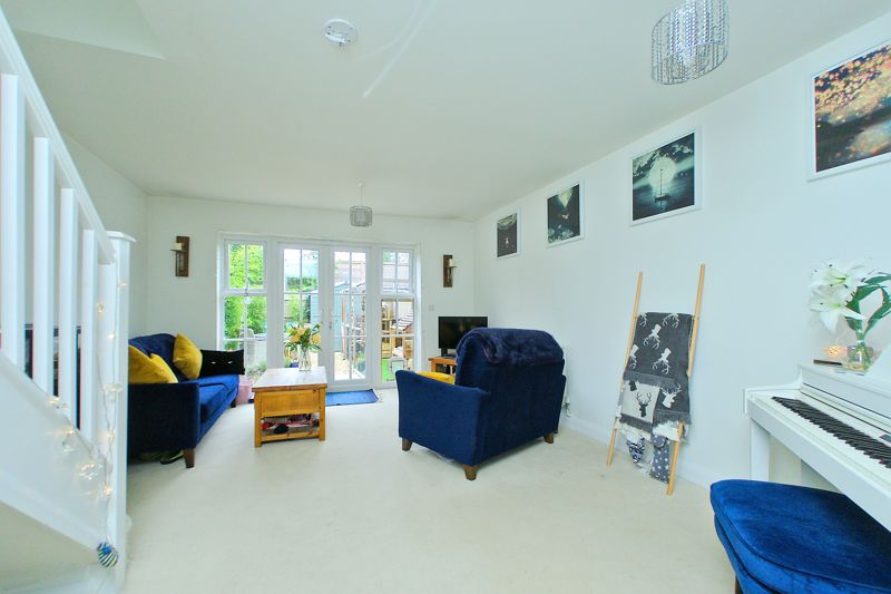 2 bed house for sale in Taylors Copse, Chichester  - Property Image 3