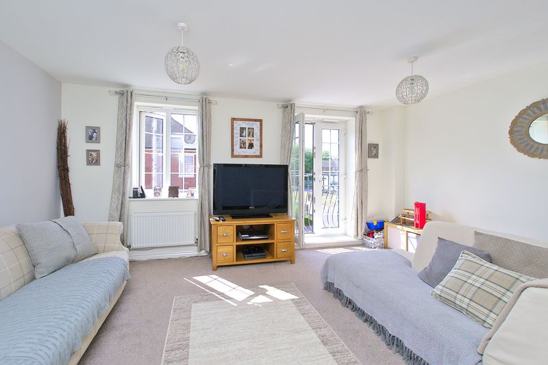 3 bed house for sale in Neville Duke Way, Chichester  - Property Image 2