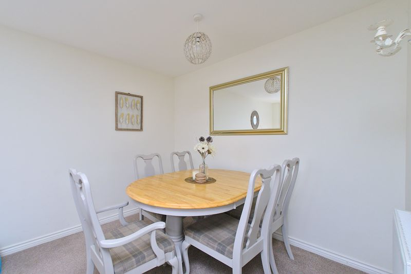 3 bed house for sale in Neville Duke Way, Chichester  - Property Image 11