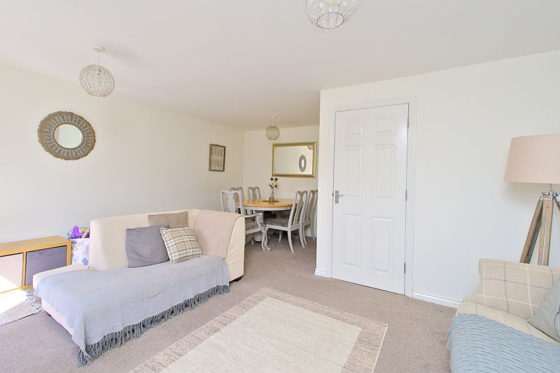 3 bed house for sale in Neville Duke Way, Chichester 9