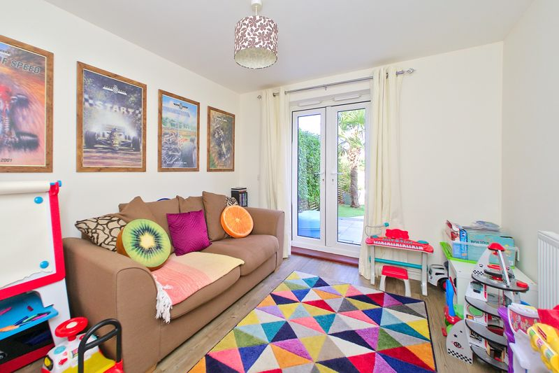 3 bed house for sale in Neville Duke Way, Chichester  - Property Image 13
