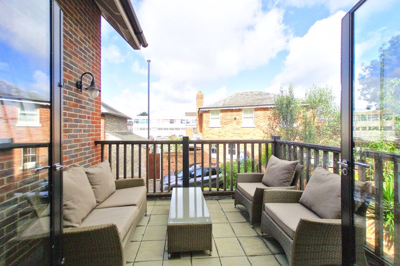 2 bed flat for sale in Canal Wharf, Chichester - Property Image 1