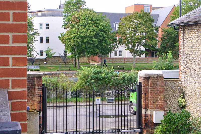 2 bed flat for sale in Canal Wharf, Chichester  - Property Image 17