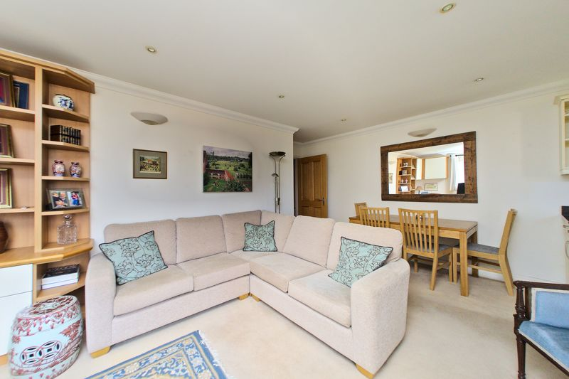 2 bed flat for sale in Canal Wharf, Chichester  - Property Image 6