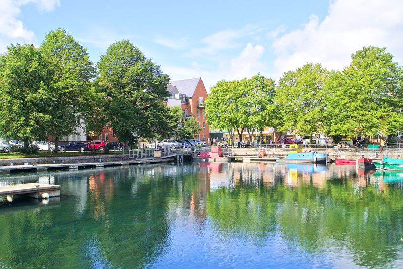 2 bed flat for sale in Canal Wharf, Chichester 15