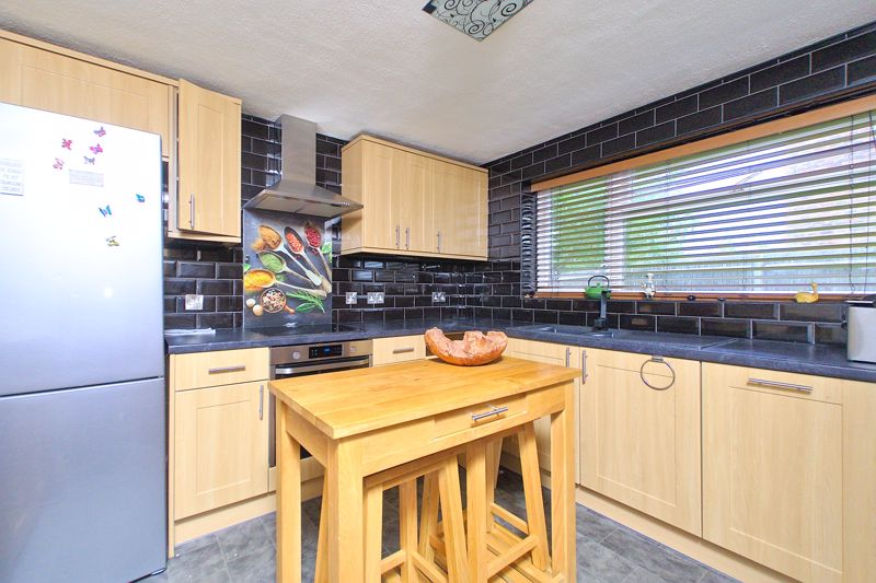 2 bed flat for sale in Uphill Way, Chichester  - Property Image 4