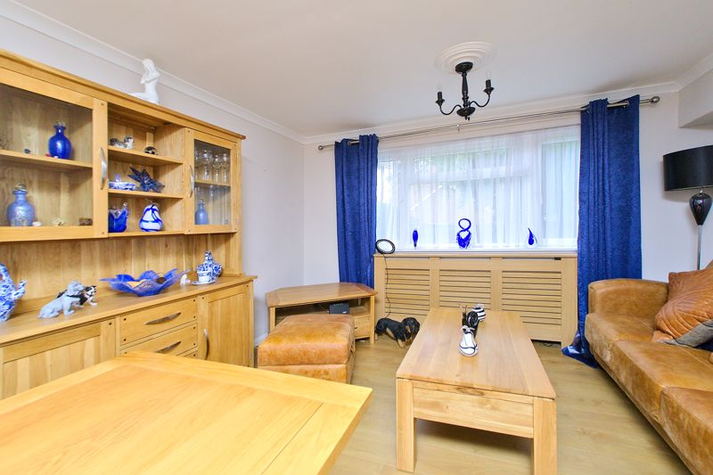 2 bed flat for sale in Uphill Way, Chichester  - Property Image 3
