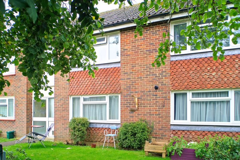 2 bed flat for sale in Uphill Way, Chichester  - Property Image 8