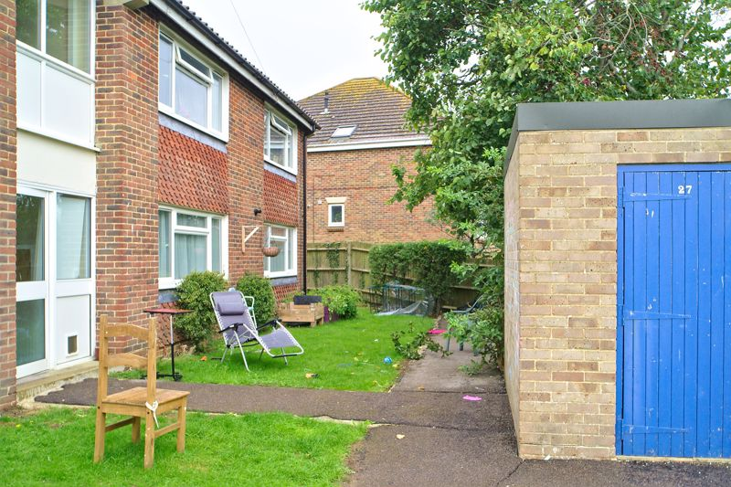 2 bed flat for sale in Uphill Way, Chichester  - Property Image 1
