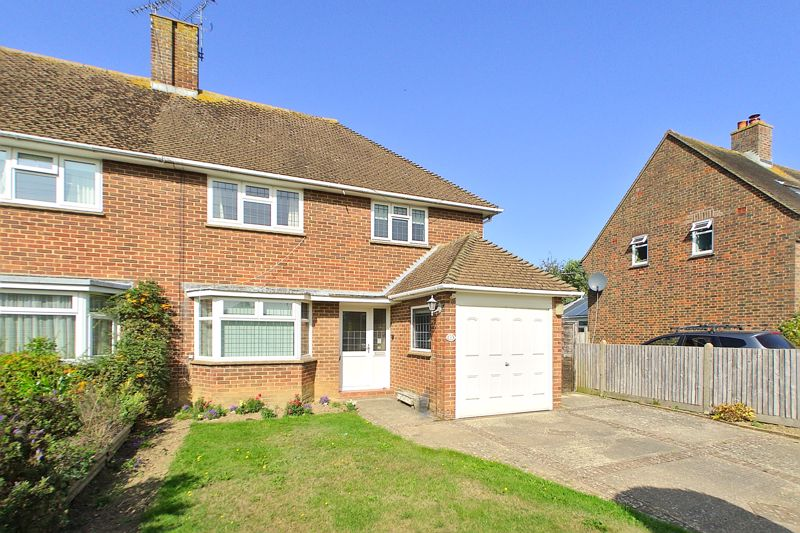 3 bed house for sale in Selsey Road, Chichester - Property Image 1