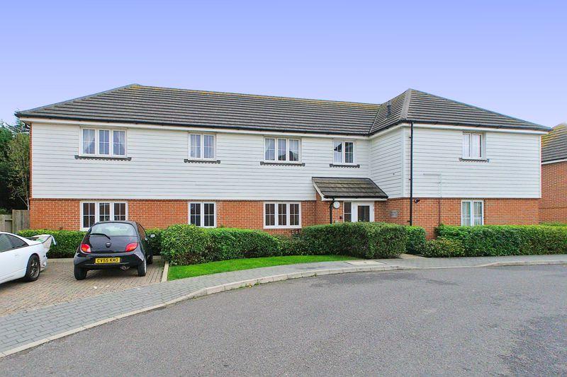 2 bed flat for sale in 20 Kelmscott Way, Bognor Regis - Property Image 1