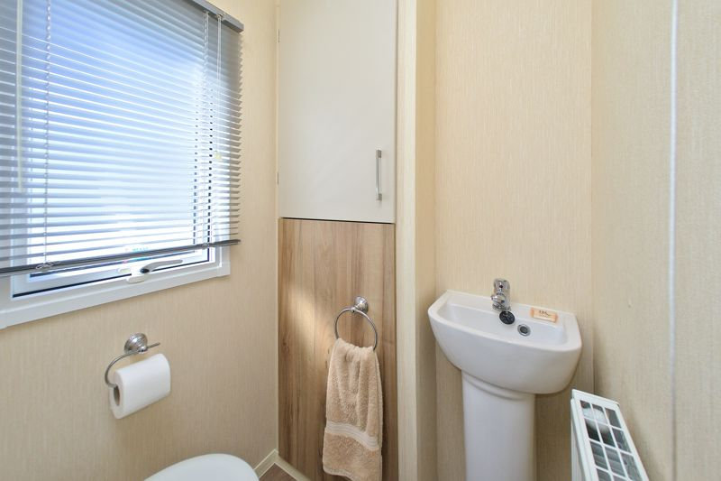 2 bed for sale in Vinnetrow Road, Chichester  - Property Image 11