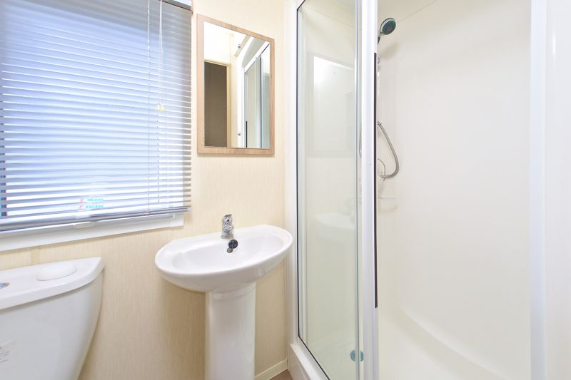 2 bed for sale in Vinnetrow Road, Chichester 9
