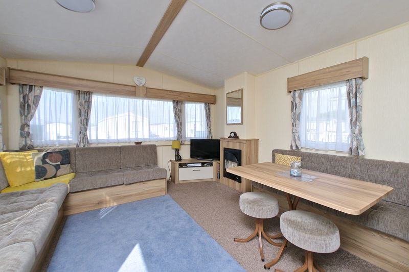 2 bed for sale in Vinnetrow Road, Chichester  - Property Image 3