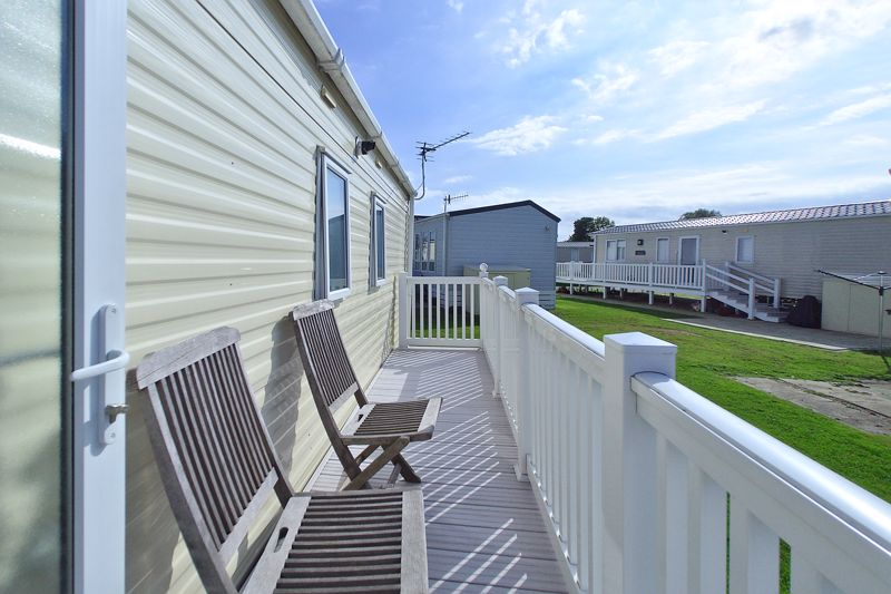 2 bed for sale in Vinnetrow Road, Chichester  - Property Image 4
