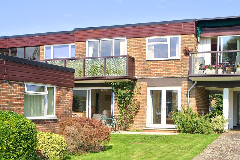 2 bed flat for sale in Mill Close, Chichester 7