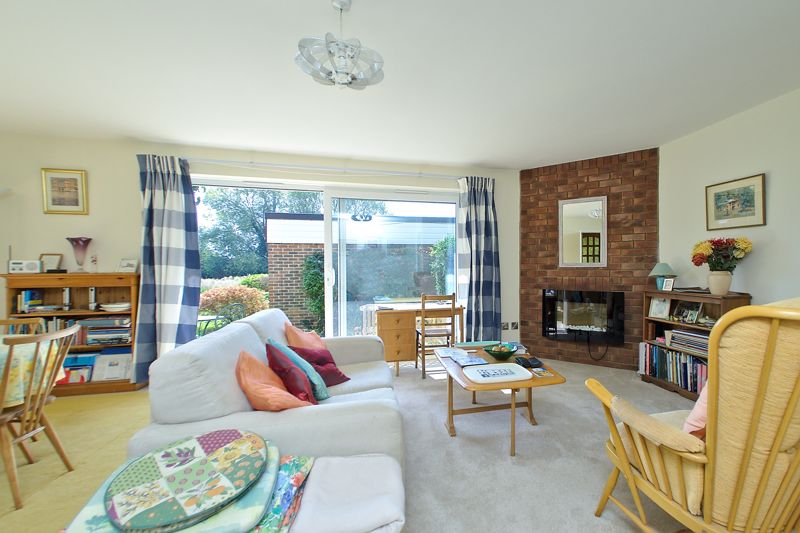 2 bed flat for sale in Mill Close, Chichester 1