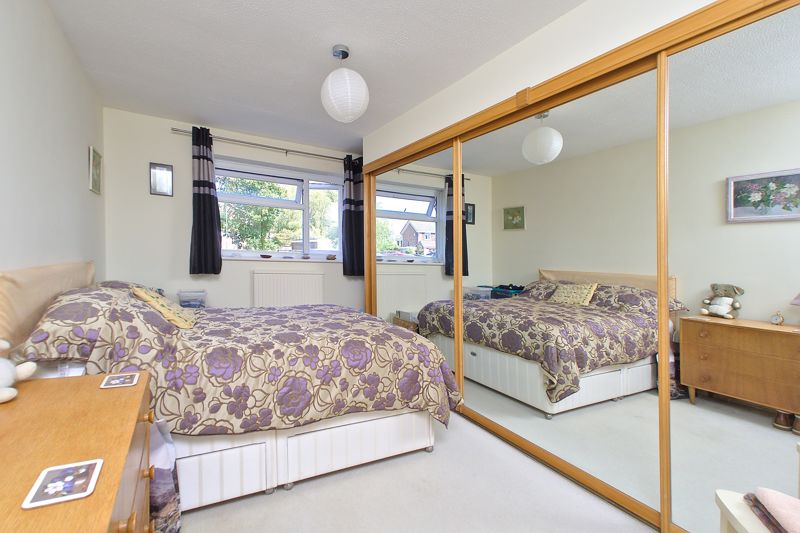 2 bed flat for sale in Mill Close, Chichester 3
