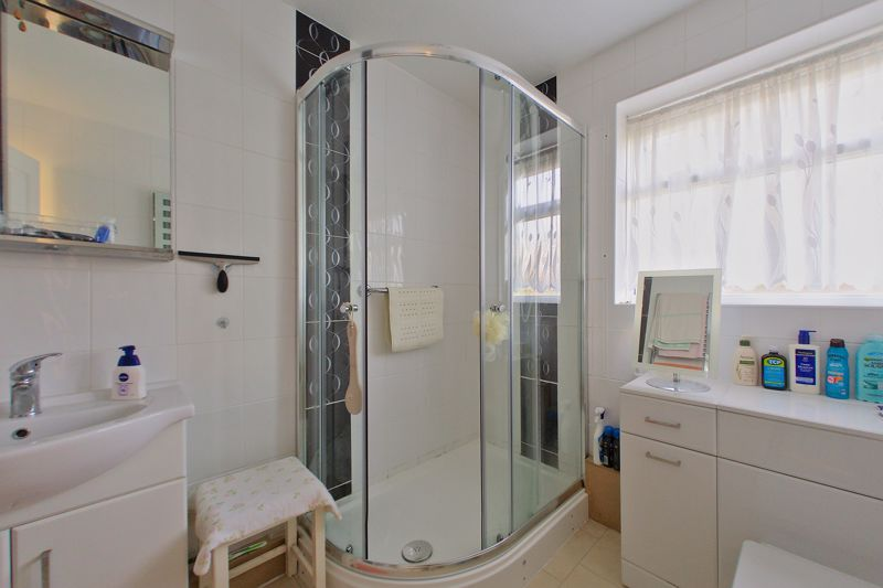 2 bed flat for sale in Mill Close, Chichester 4