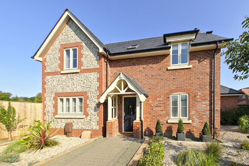 3 bed house for sale in North Street, Emsworth - Property Image 1