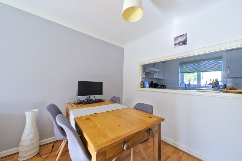 1 bed flat for sale in Joys Croft, Chichester 3