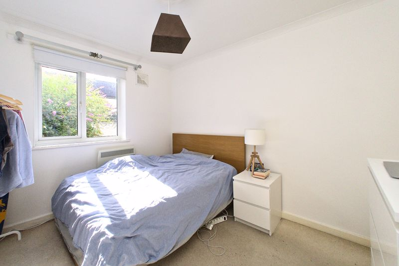 1 bed flat for sale in Joys Croft, Chichester 5