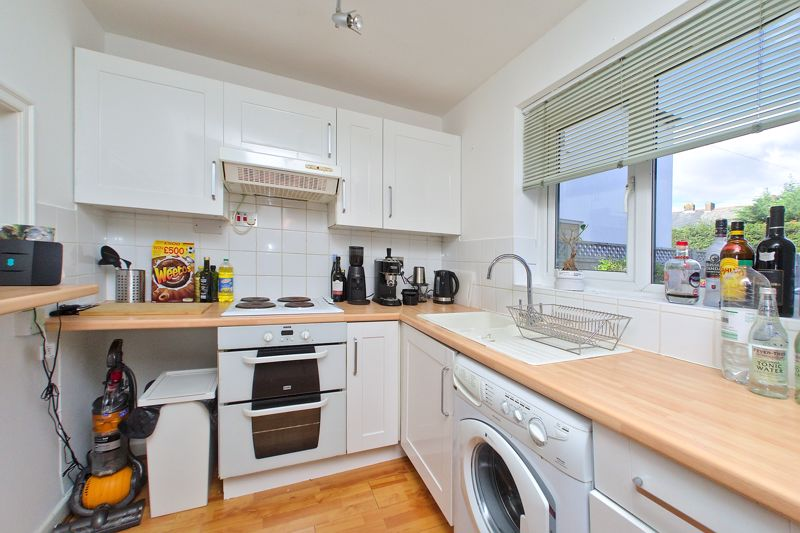 1 bed flat for sale in Joys Croft, Chichester 2