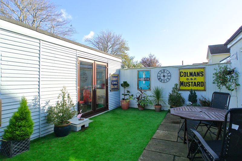 3 bed house for sale in Williams Road, Chichester 8
