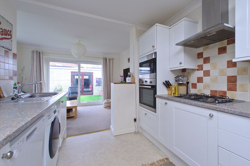 3 bed house for sale in Williams Road, Chichester  - Property Image 3