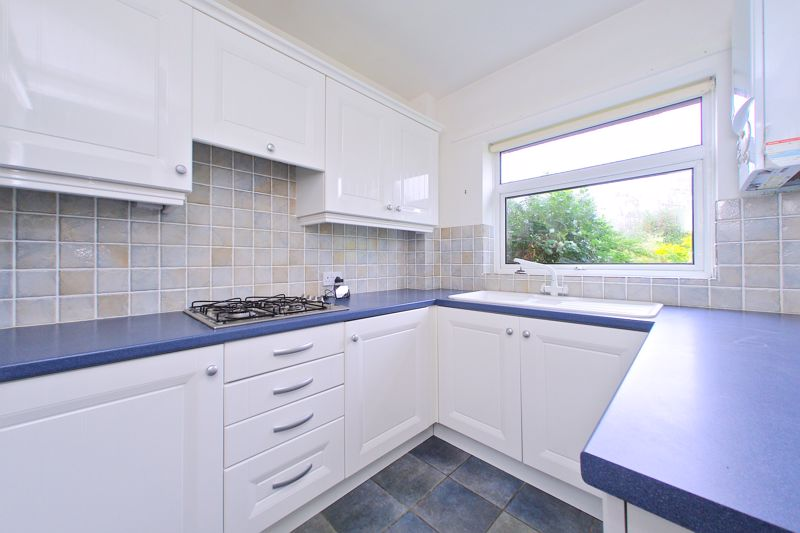 2 bed flat for sale in Broyle Close, Chichester 1