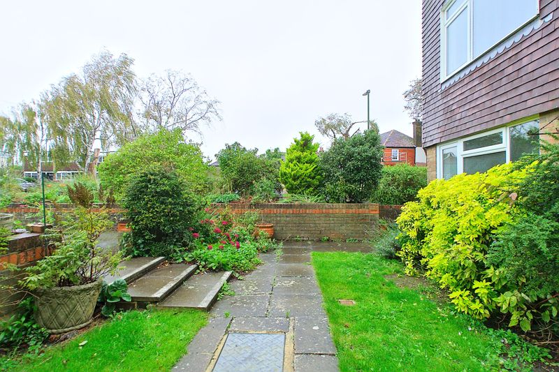 2 bed flat for sale in Broyle Close, Chichester  - Property Image 9