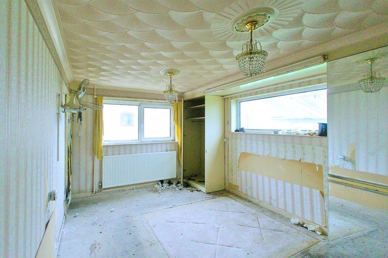 5 bed bungalow for sale in Westergate Street, Chichester 6