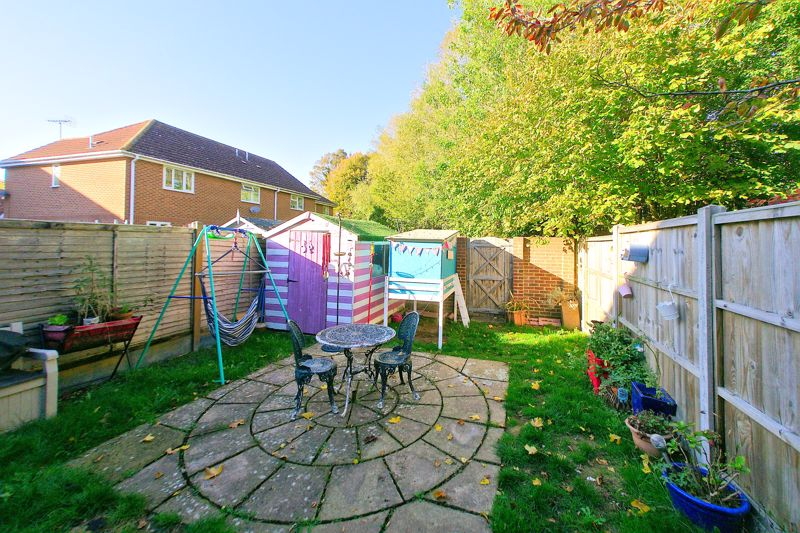3 bed house for sale in Churchwood Drive, Chichester 8