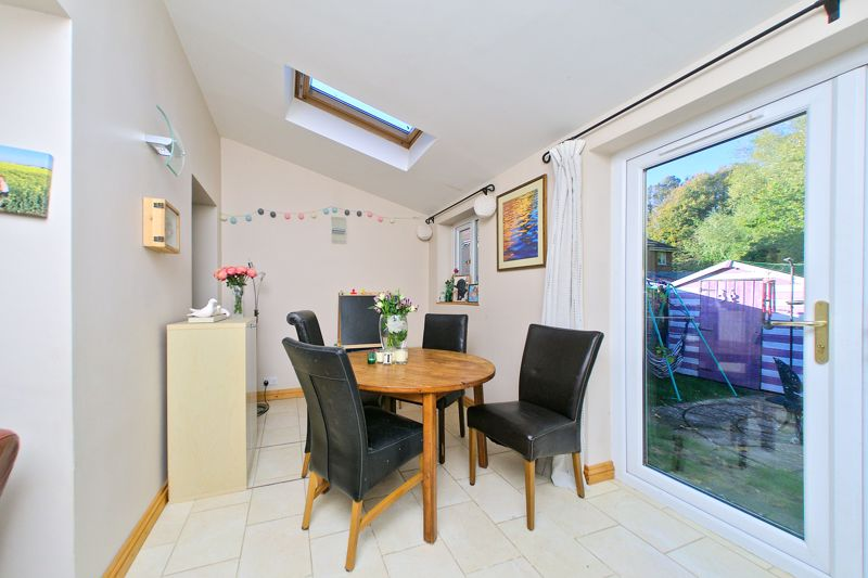 3 bed house for sale in Churchwood Drive, Chichester  - Property Image 3