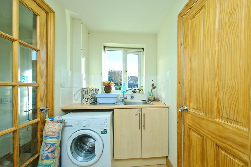 3 bed house for sale in Churchwood Drive, Chichester  - Property Image 5