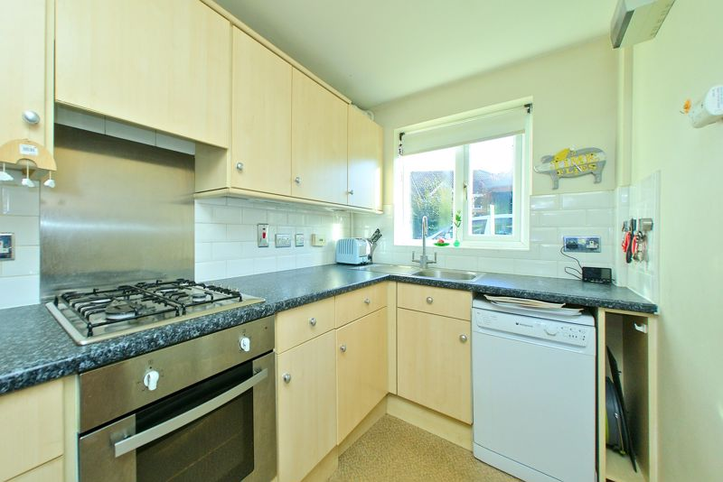 3 bed house for sale in Churchwood Drive, Chichester  - Property Image 4