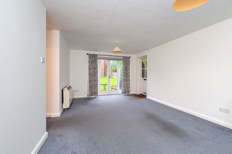 2 bed flat for sale in Davys Court, Chichester 1