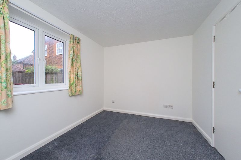 2 bed flat for sale in Davys Court, Chichester  - Property Image 5