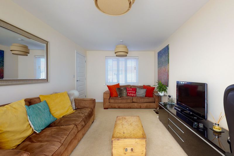 3 bed house for sale in Ferry Drive, Chichester  - Property Image 4