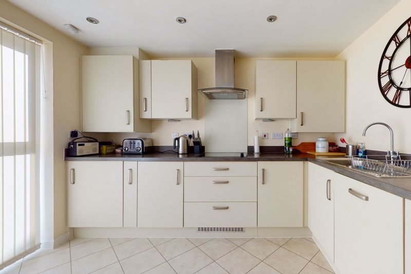 3 bed house for sale in Ferry Drive, Chichester 2