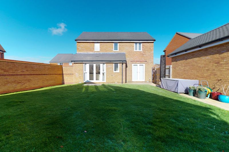 3 bed house for sale in Ferry Drive, Chichester  - Property Image 9